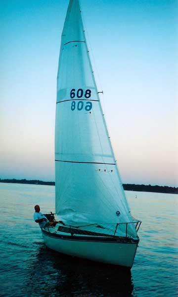 1985 Merit 22