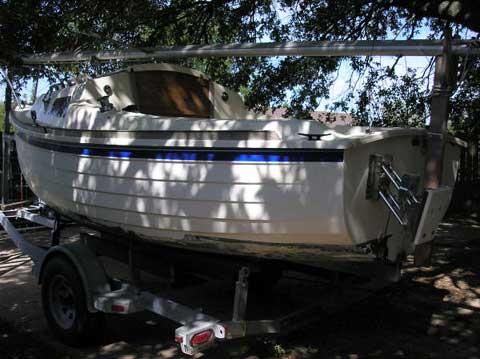 Montgomery 17 sailboat