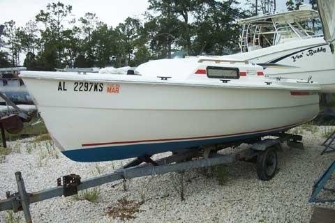 Newport 17 sailboat