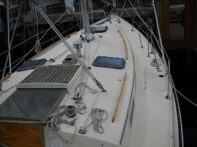 Niagara 35' by Hinterhoeller, 1982 sailboat