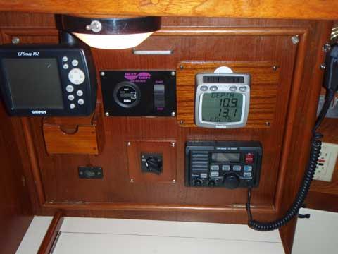 Nonsuch 33 sailboat