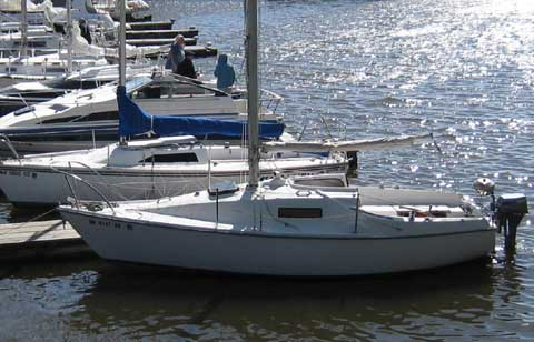 Seafarer 22 sailboat