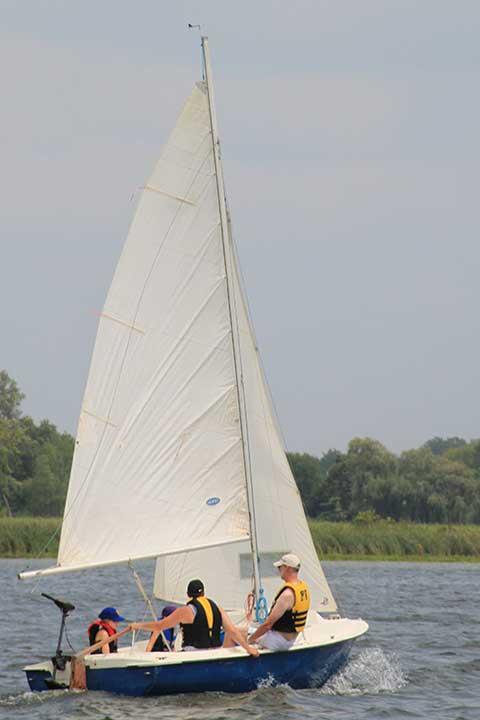 Richmond Marine Skipper 17, 1977 sailboat