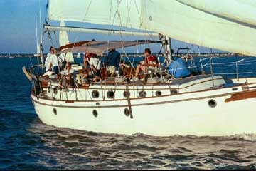 1984 Morea Spindrift 43 sailboat