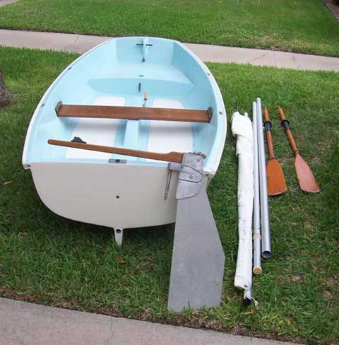 Boston Whaler Squall sailboat