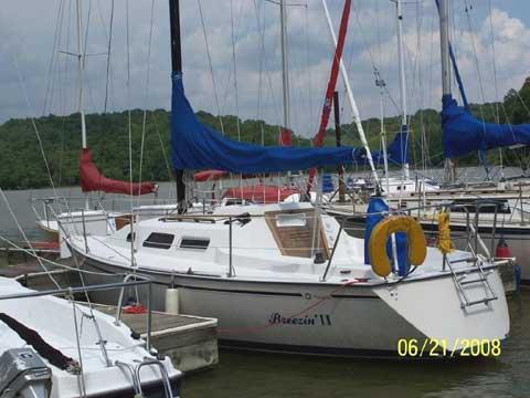 Starwind 27 sailboat