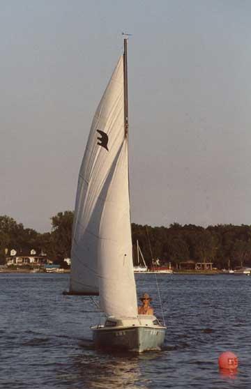 1982 AMF Sunbird 16
