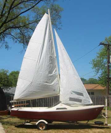 1982 US 18 sailboat