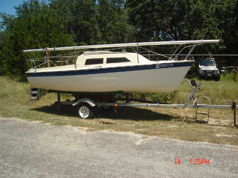Vagabond 17, 1981 sailboat