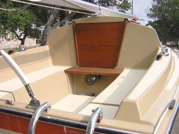 1981 Vagabond 17 sailboat