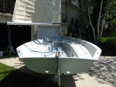 v sailboat