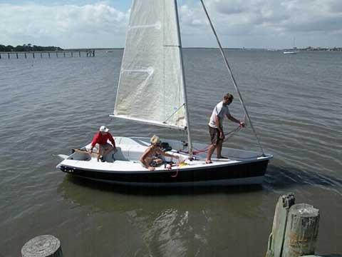 Vanguard Nomad, 17'2