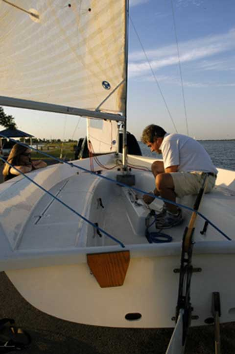 Vanguard Nomad, 18', 2004 sailboat