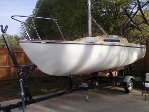 Venture 17 sailboat