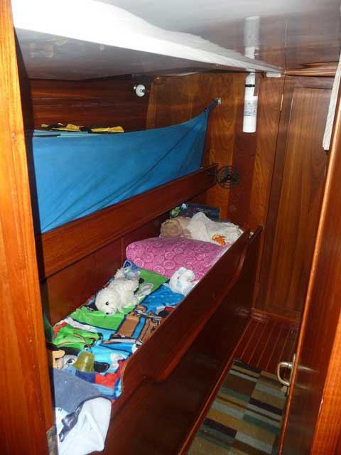 Wauquiez Amphitrite 43 sailboat