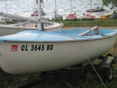 Zeff 12 sailboat