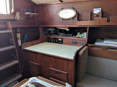 Alajuela 38 Mk II, 1979 sailboat