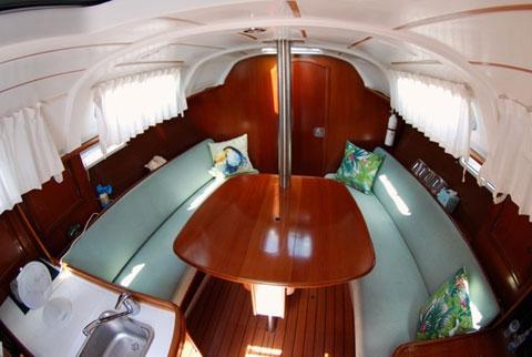 Beneteau 311, 2004 sailboat