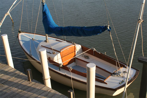 Cape Dory Typhoon, 19 ft. 1977 sailboat