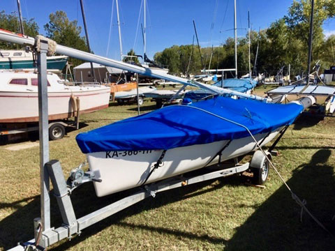 Catalina Capri 16.5, 1998 sailboat