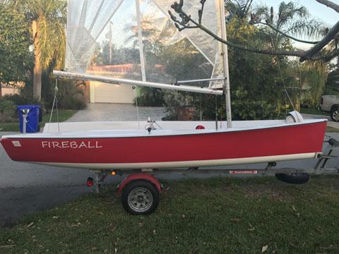 Class Cup 16' sailboat