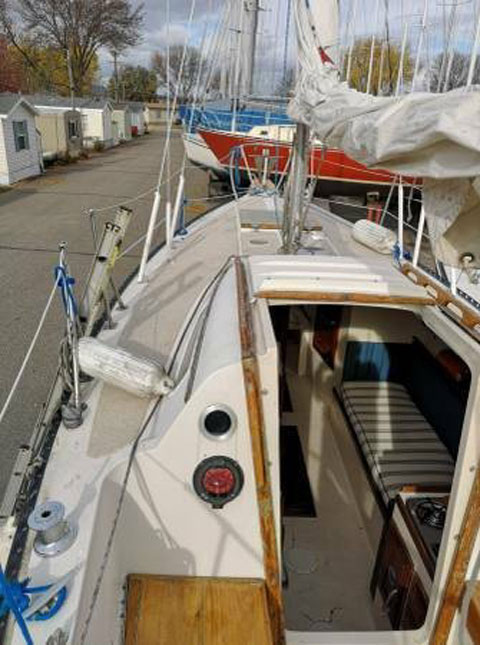 Columbia MKII 26', 1976 sailboat