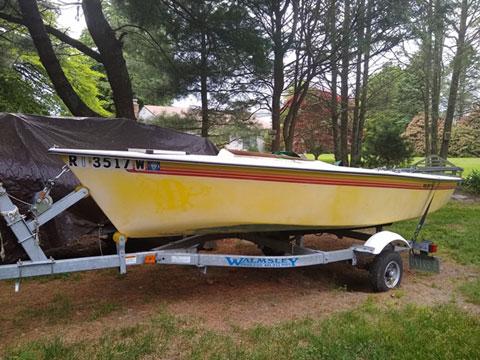 Holder 14, 1989 sailboat