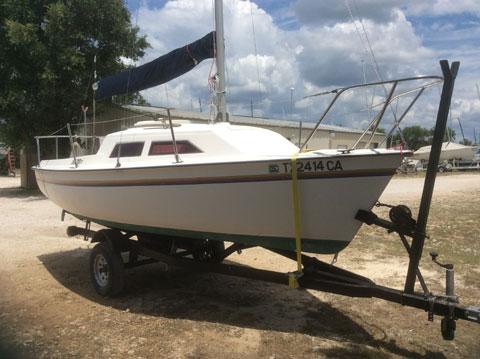 Hobie Holder 17, 1985 sailboat