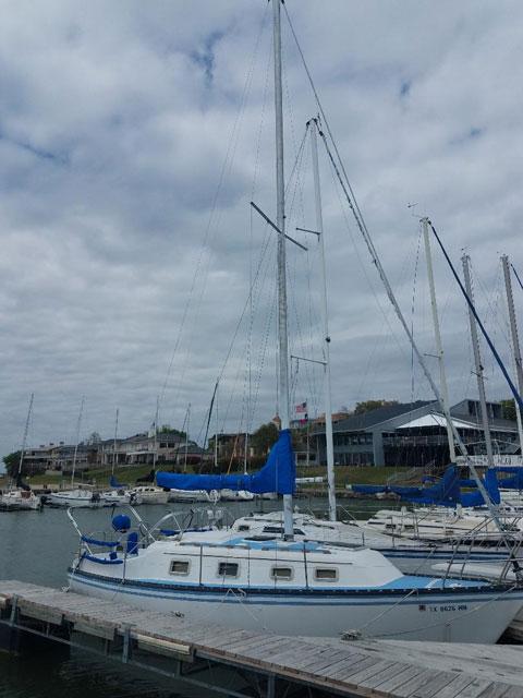 Hunter  27, 1984 sailboat