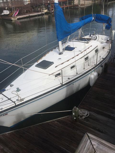 Hunter 30', 1982, sailboat