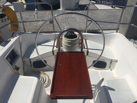 Hunter Vision 32, 1989 sailboat