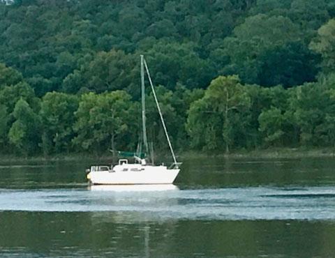 Laguna Windrose 26, 1983 sailboat
