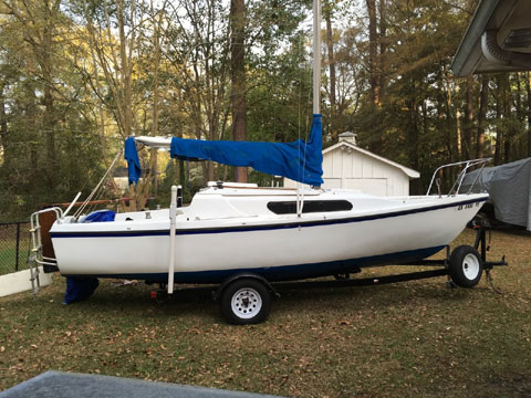 MacGregor Venture 22, 1972 sailboat