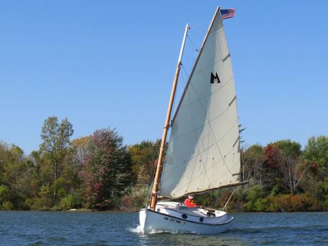 Menger 19, 2004 sailboat