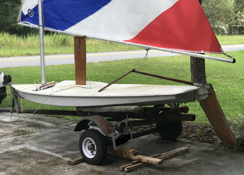 AMF Alcort Minifish (mid-1970s) sailboat