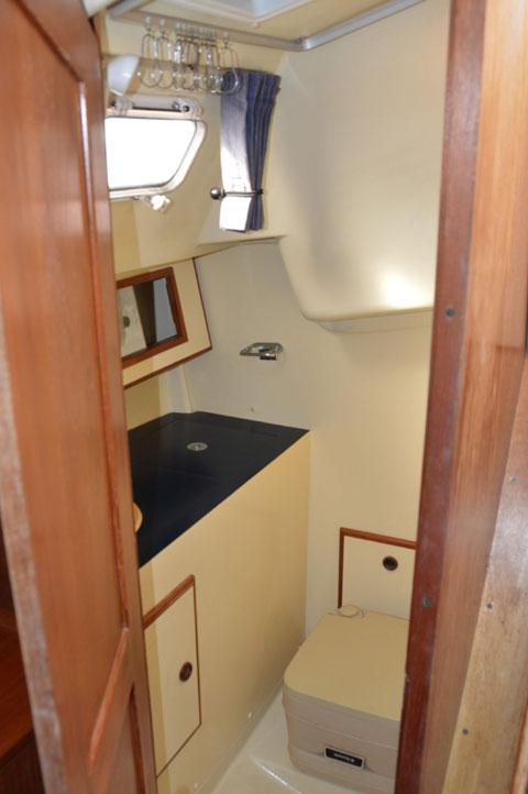 Pearson 28-2, 1986 sailboat