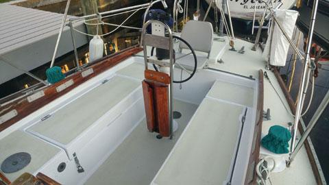 Allied Seabreeze 35, 1964 sailboat