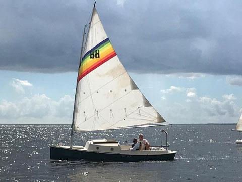 Bay Hen, 1985 sailboat