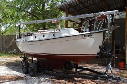 ComPac 23, 1981 sailboat