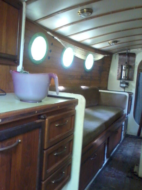 Custom Leeboard gaff ketch, 28 ft., early 90s sailboat