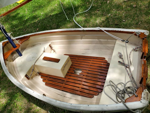 Fatty Knees 7 ft., 1991 sailboat