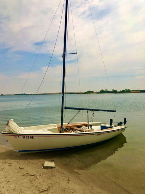 Boston Whaler Harpoon 5.2, 17 feet, 1980 sailboat