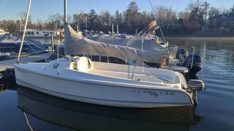 Hunter 216, 2003 sailboat