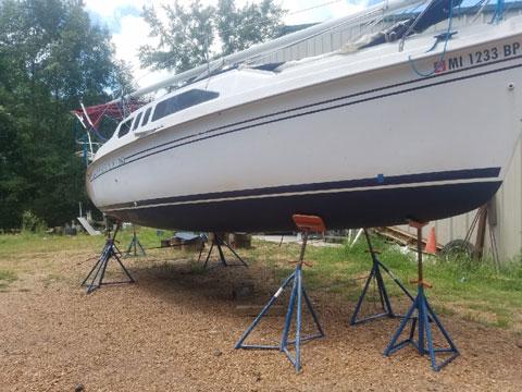 Hunter 260, 1999 sailboat