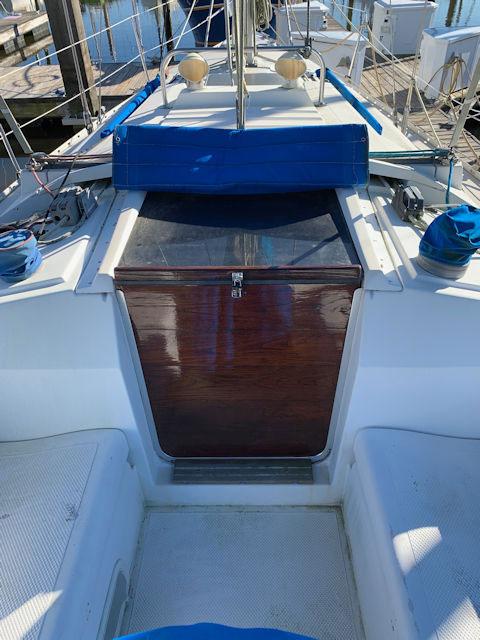 Hunter 31, 1984 sailboat