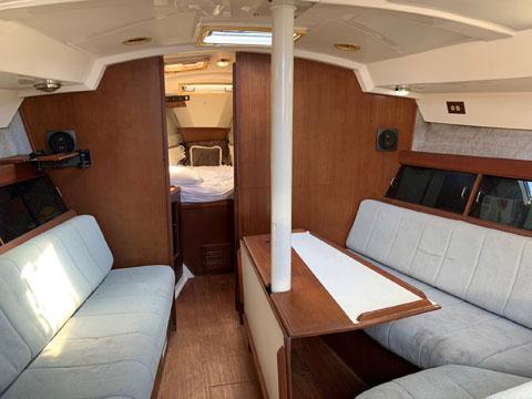 Hunter 40 Legend, 1986 sailboat