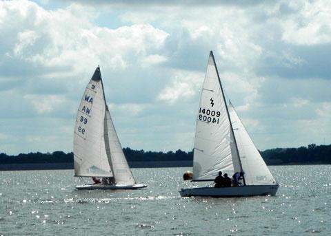 Lightning 19', 1985 sailboat