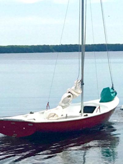 Chrysler Lonestar 13 sailboat