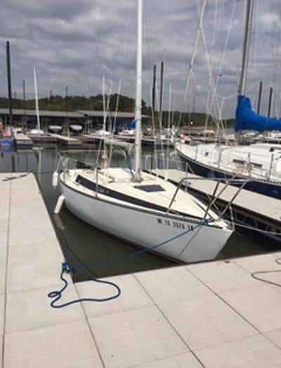 Merit 25, 1982 sailboat