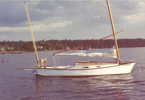 Black Skimmer Sharpie 25, 1985 sailboat